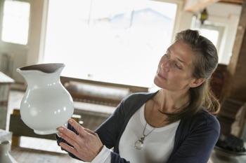 Kobieta z wazonem
